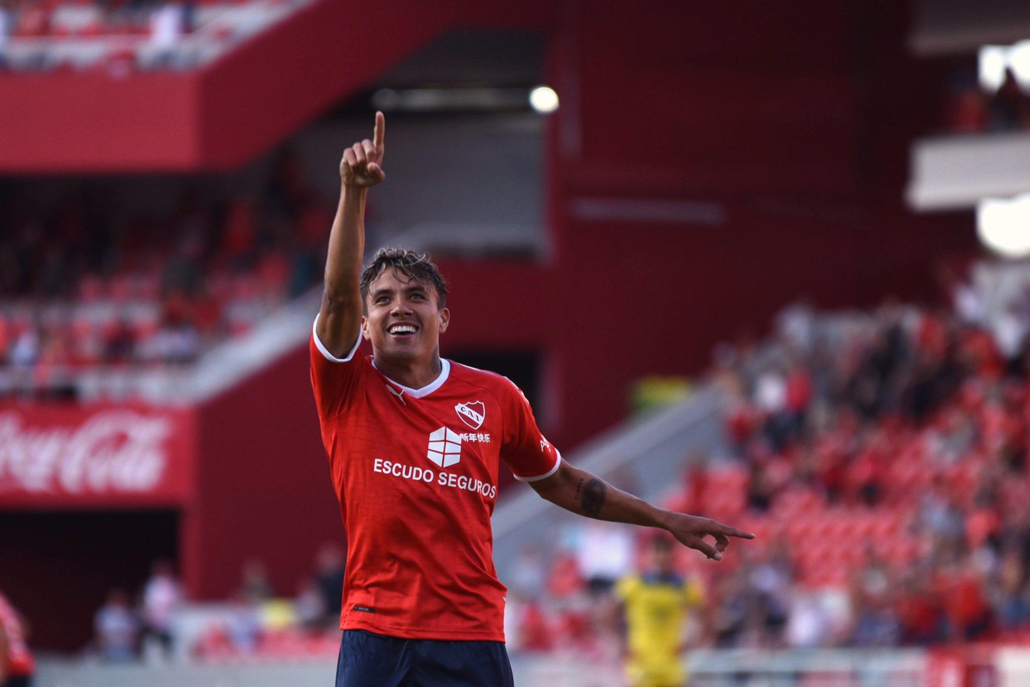 El volante sabanalarguero Andrés Felipe Roa anotó un gol con Independiente de Avellaneda.