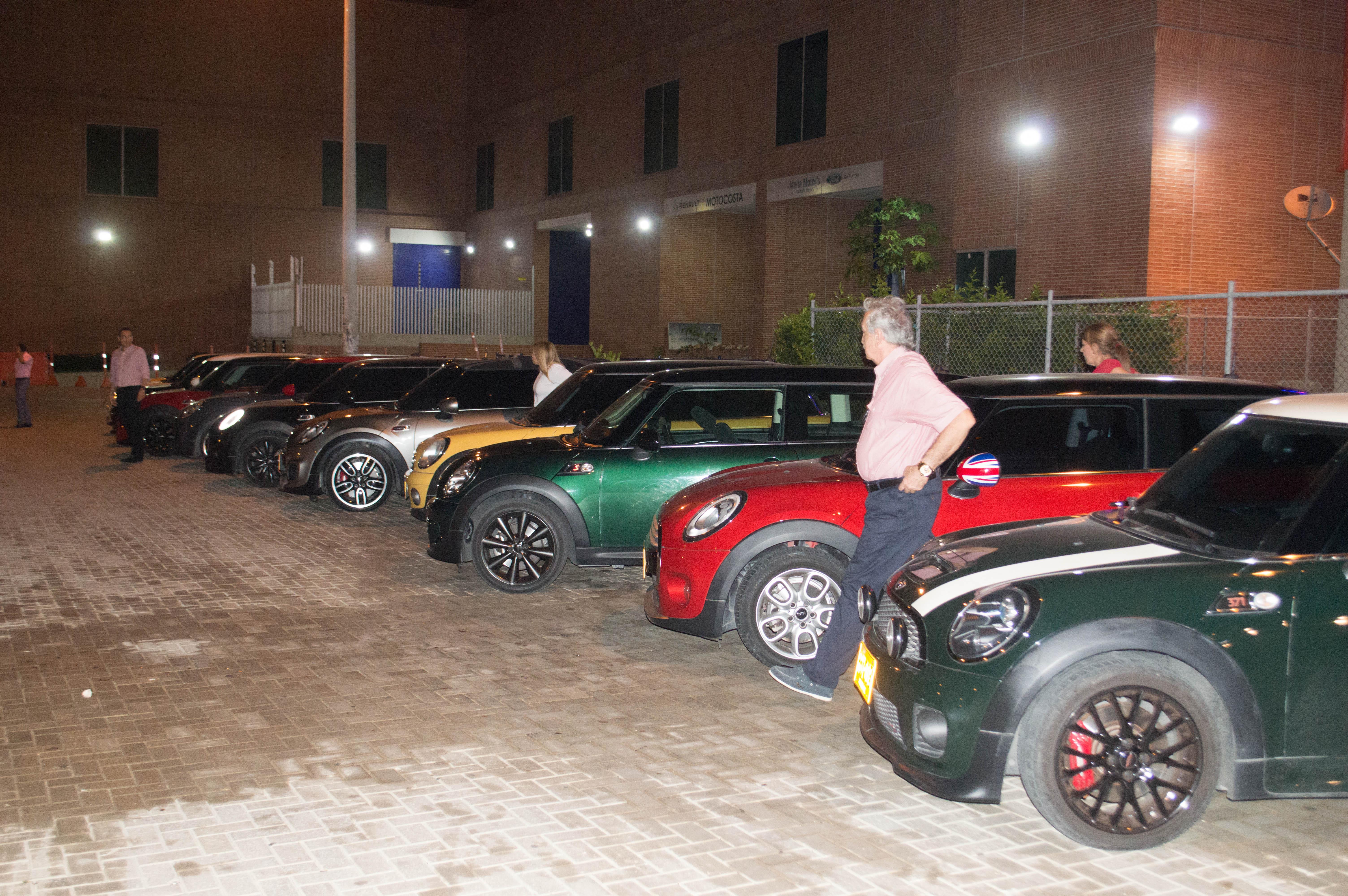 En América del Sur, Venezuela y Chile fueron los países en los que Mini tuvo predominio sobre otros vehículos utilitarios.