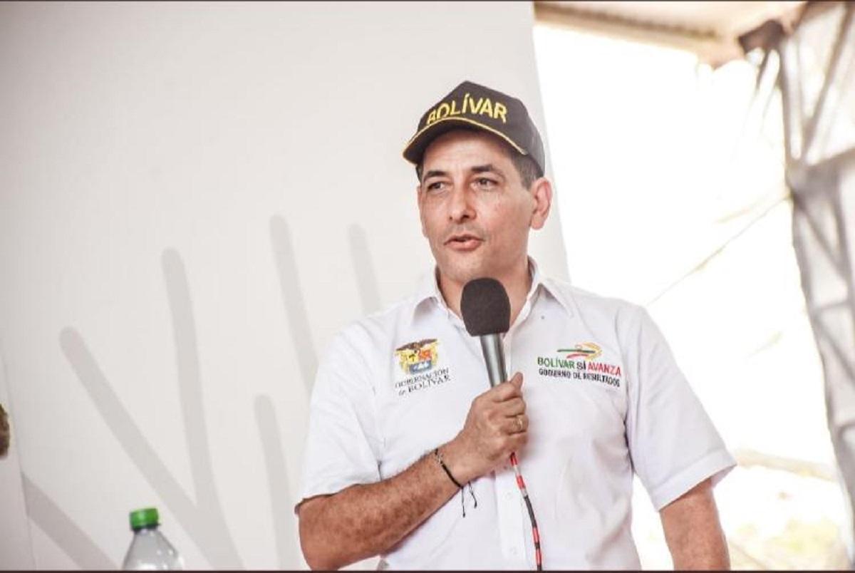 El gobernador de Bolívar, Dumek Turbay, durante su intervención en el Taller Construyendo País.