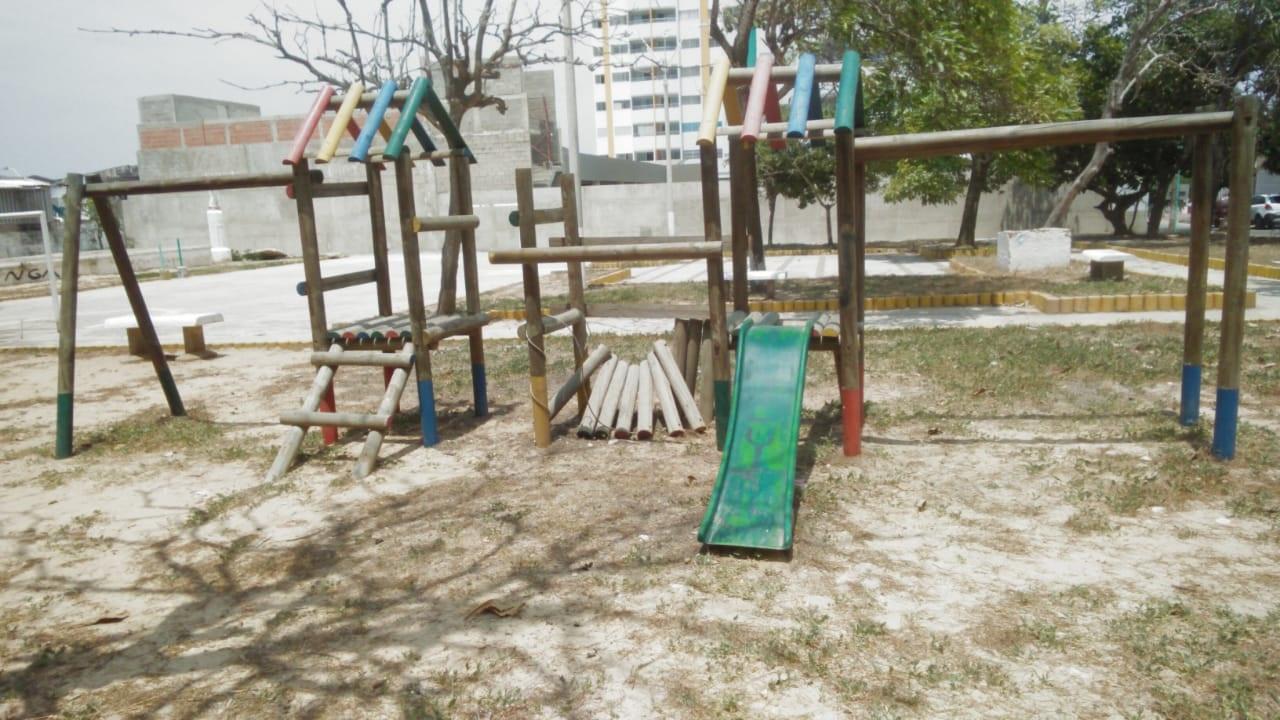 Así luce la zona infantil del parque Paraíso en la cra 74 con 85.
