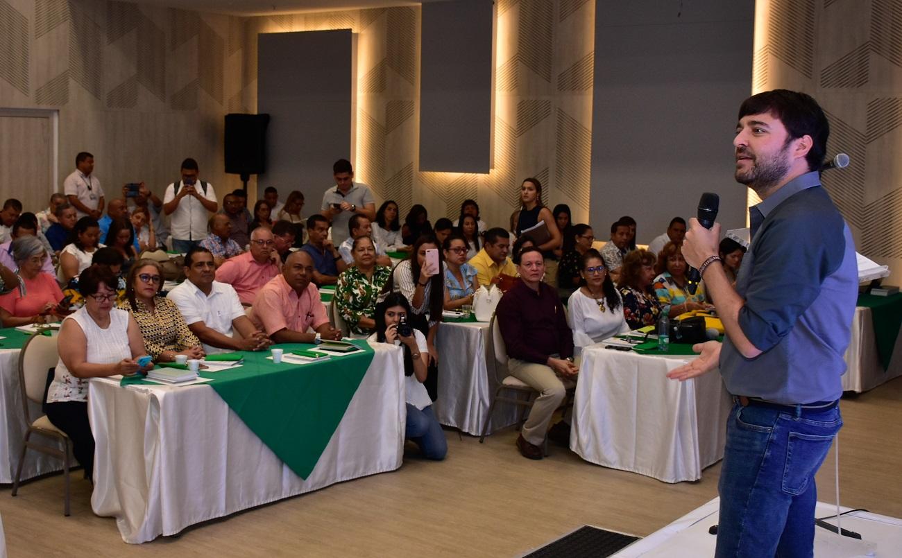 El alcalde Pumarejo durante su encuentro con los rectores.