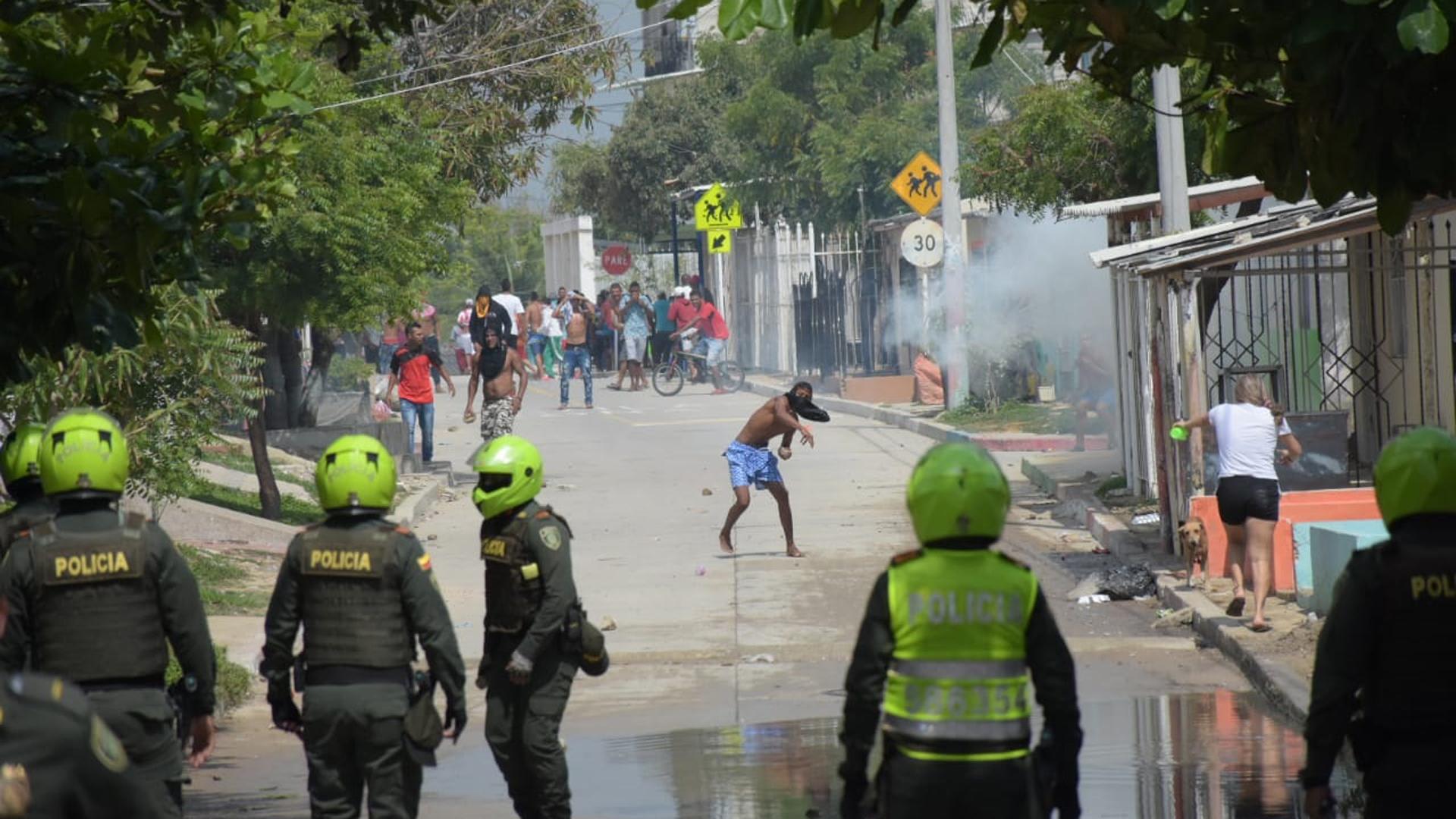 La comunidad se enfrentó con la Policía.