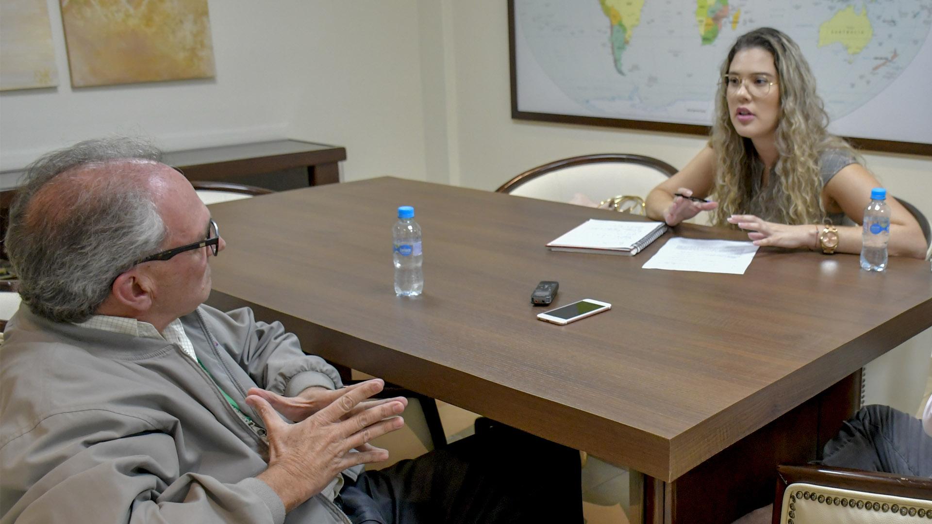 Jon Bilbao durante la entrevista con Diana Arrieta, jefe de Opinión de EL HERALDO.
