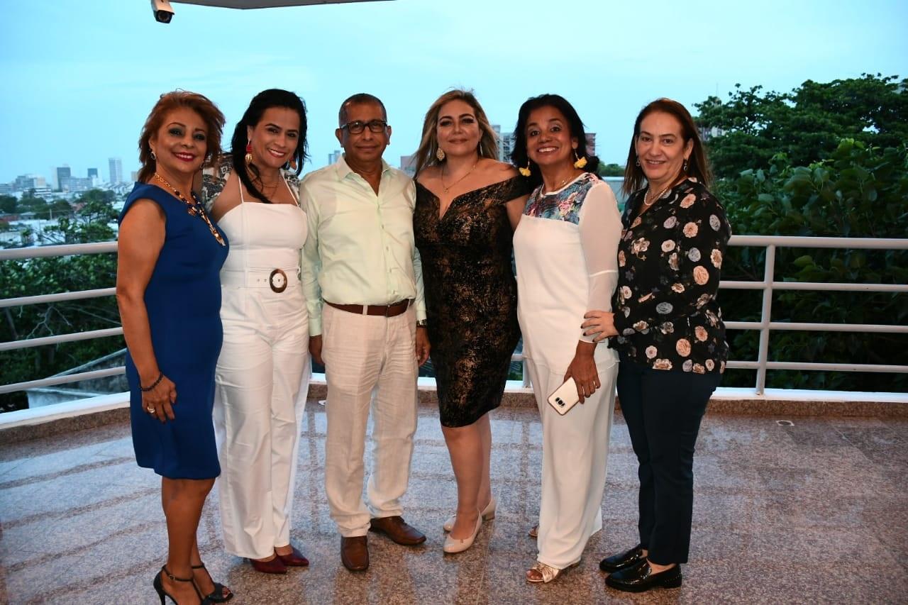 Catalina Ramírez Villanueva, la de blanco Claudia Patricia López Duncan, Jorge enrique Gómez, Viviana Iriarte zapata, Olga Sobrino y María Paulina Díazgranados Hernández, funcionarios de la Rama Judicial.