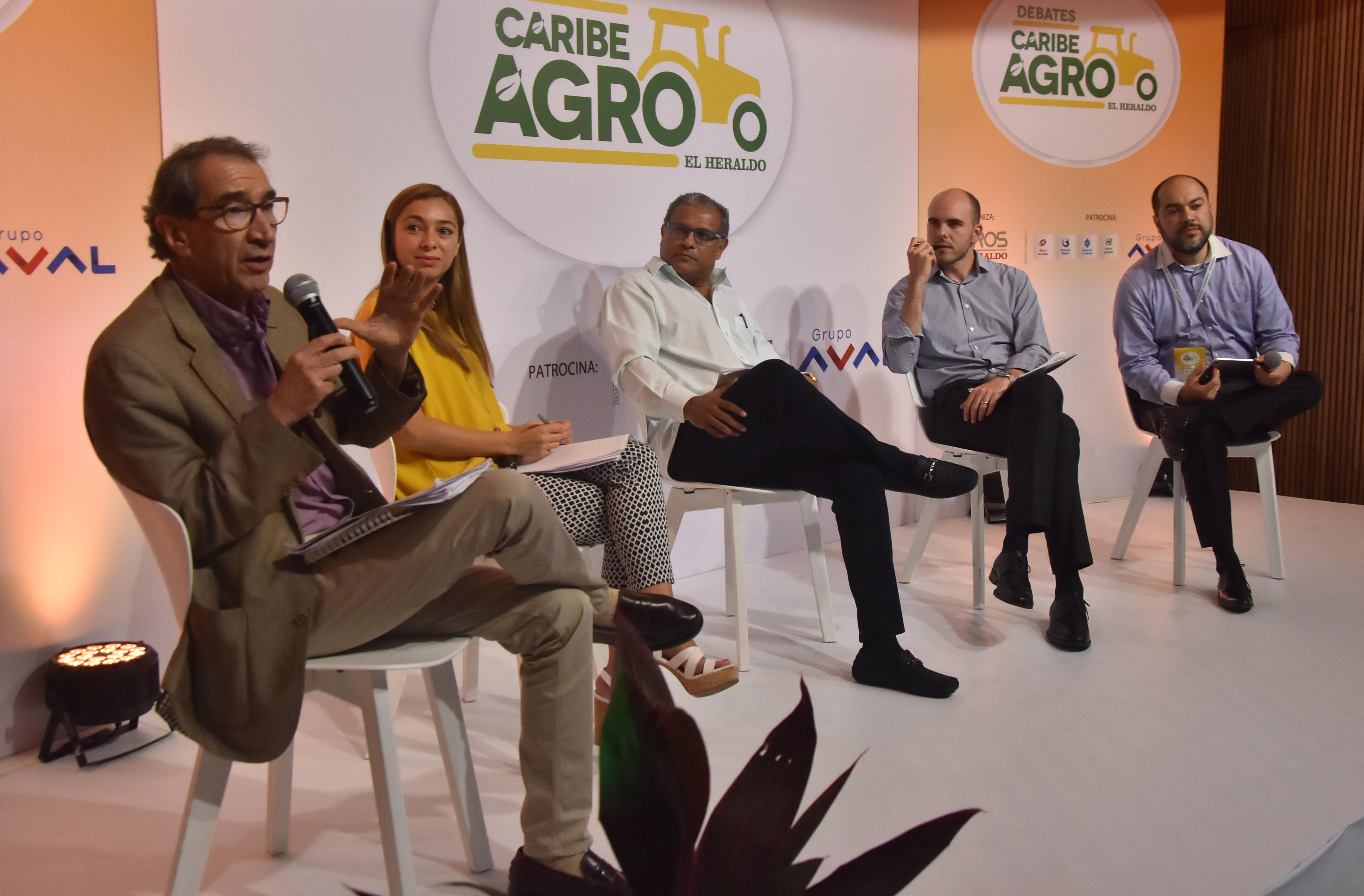Aurelio Suárez, Paula Zuleta, Óscar Montes, Rafael Puyana y John Olivares participaron en otro panel.