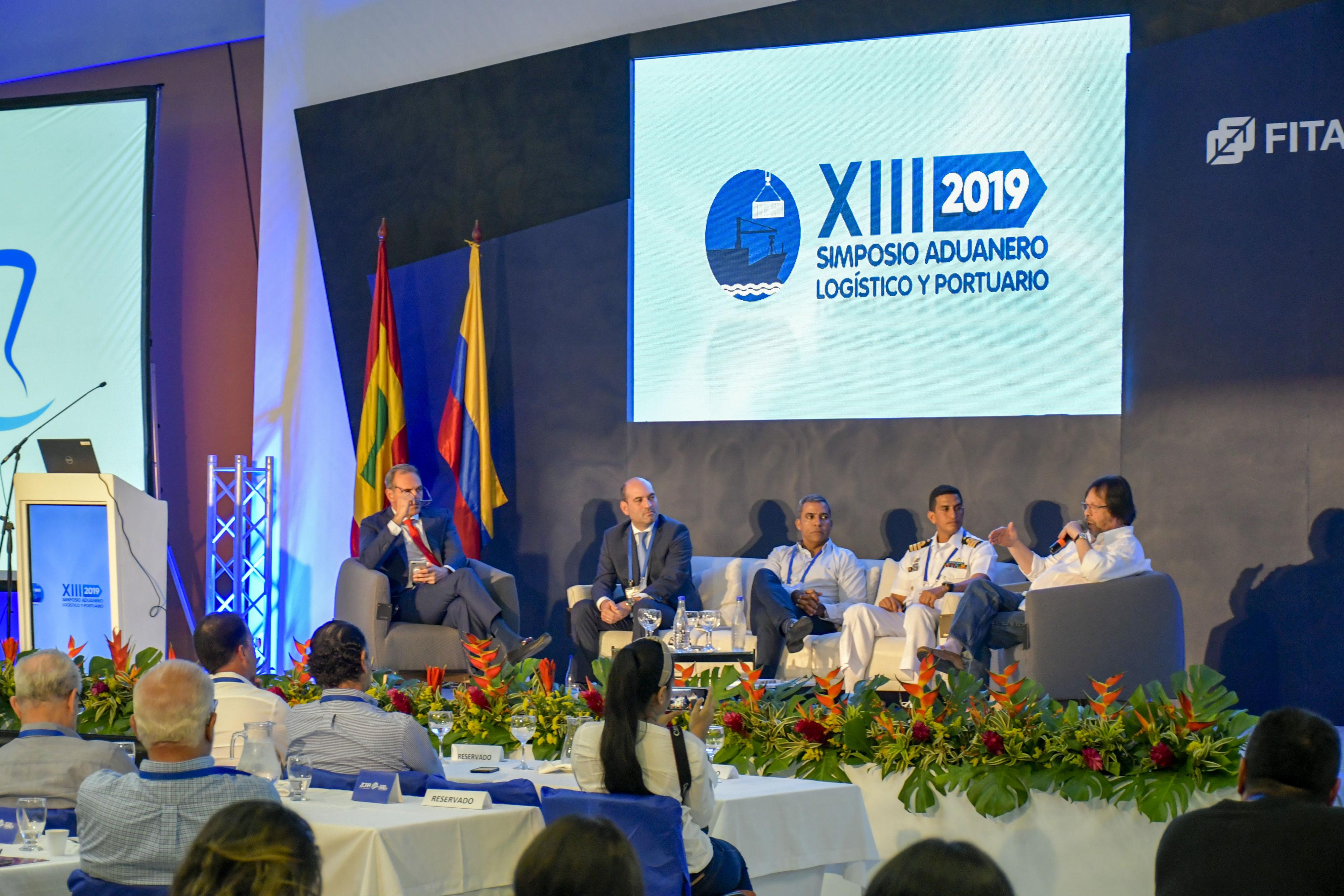 """Panel sobre """"Avances y desarrollo del Río Magdalena"""""""