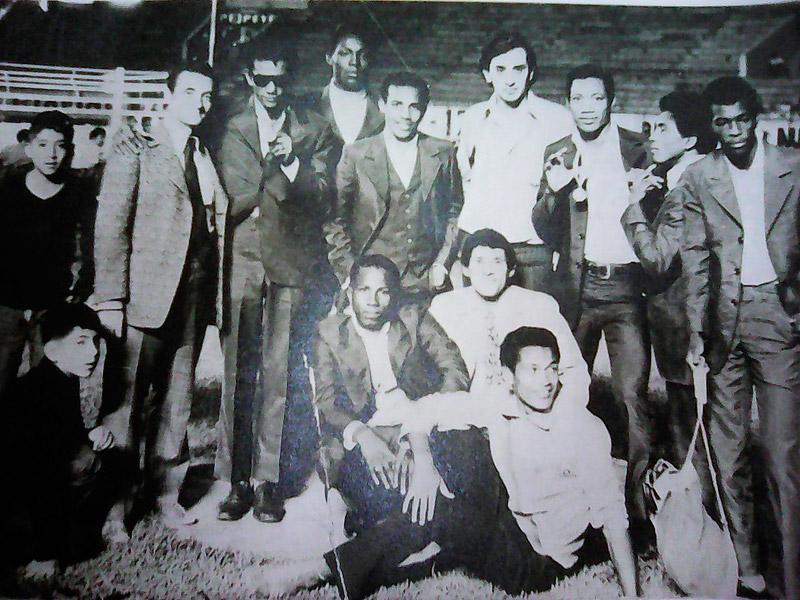 El día de la final en Lima, Perú Cassiani es el primero de derecha a izquierda en esta foto de archivo, junto a la delegación colombiana en el Torneo Latinoamericano de 1972. Esa noche el palenquero ganaría una medalla de oro, el máximo hito de su truncada carrera.