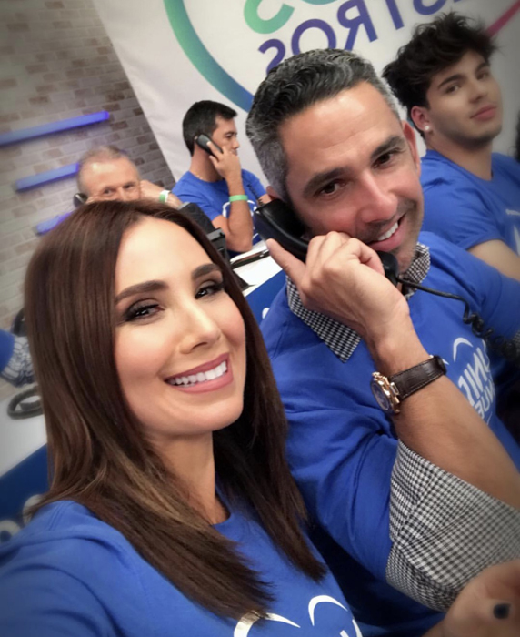 La coach Laura Posada y el beisbolista de los Yankee Jorge Posada mostraron su lado más solidario recaudando ayudas para los damnificados.