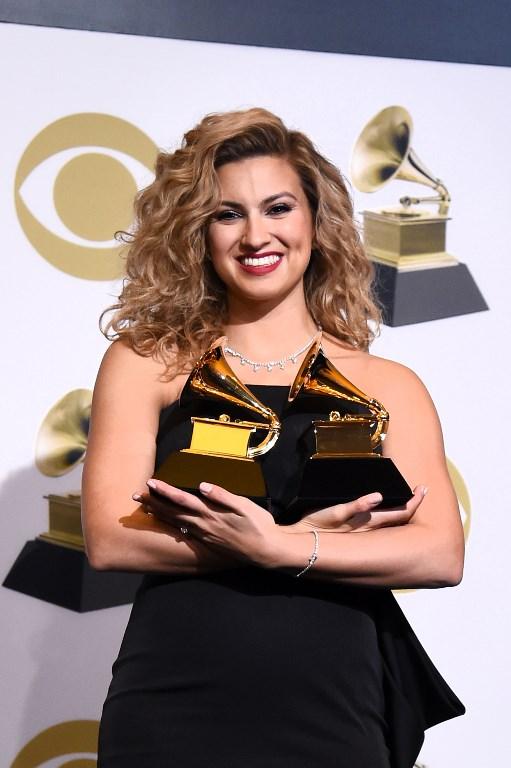 Tori Kelly, ganadora del Mejor álbum de gospel y Mejor interpretación de canción de gospel.