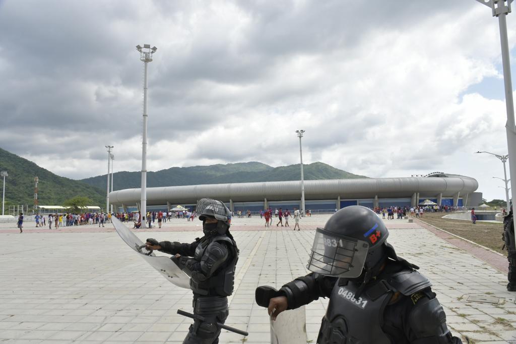 En el lugar fue necesaria presencia del Esmad para prevenir enfrentamientos.