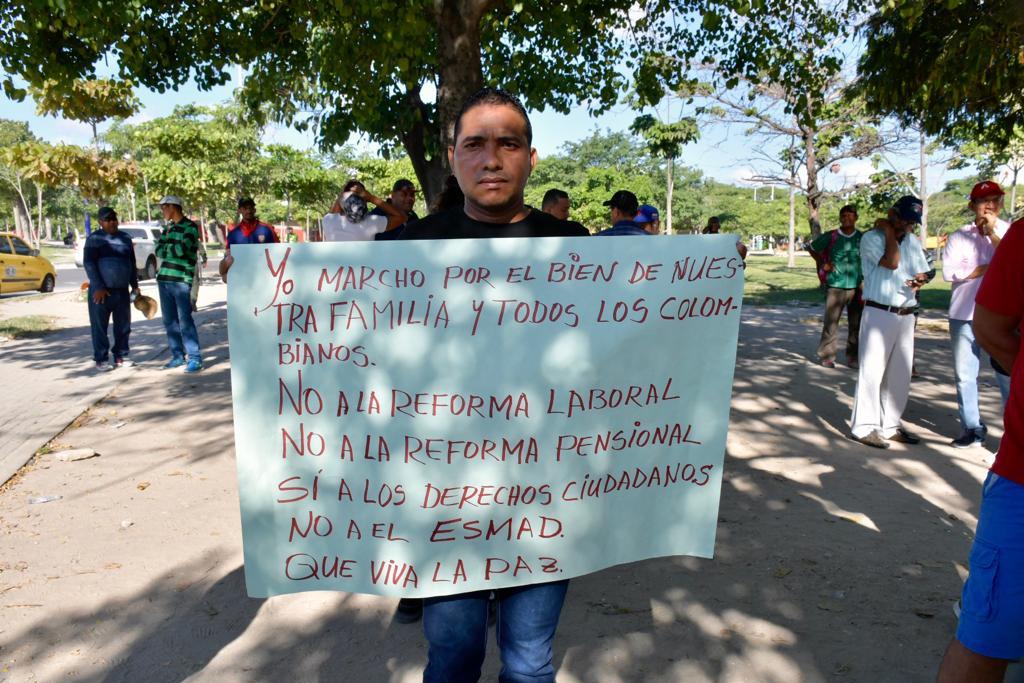 Manifestantes en la Murillo con Circunvalar.