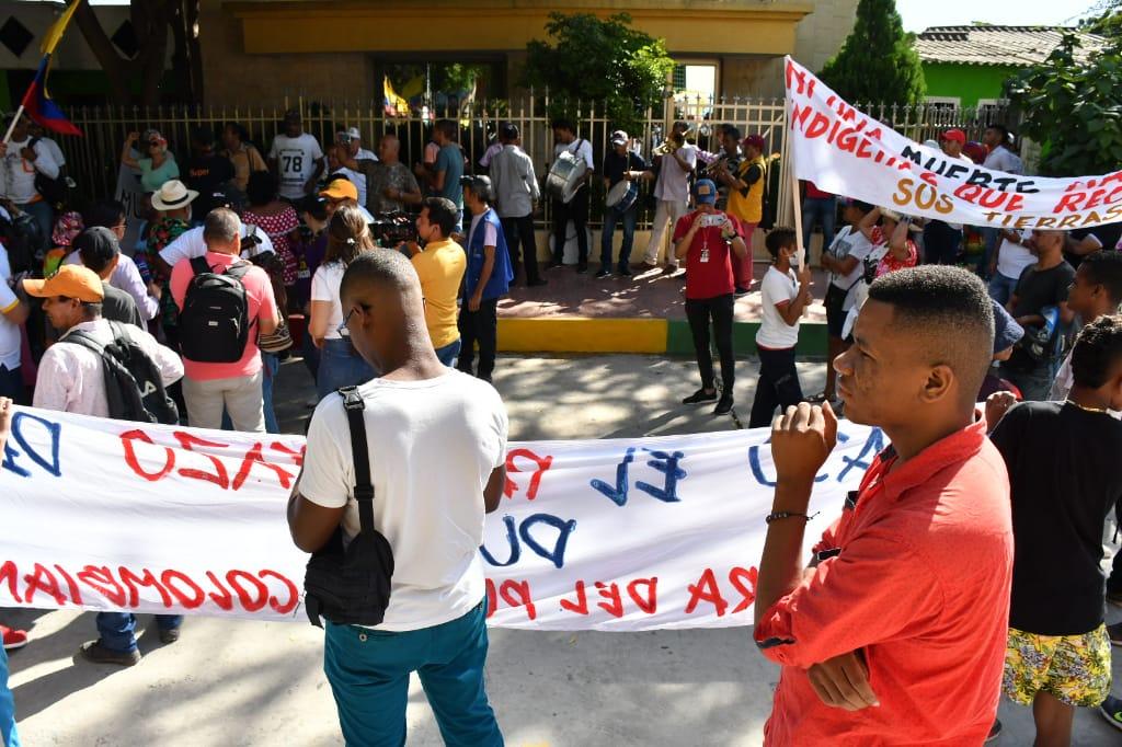 Marchantes de Rincón Latino en el barrio Rebolo.
