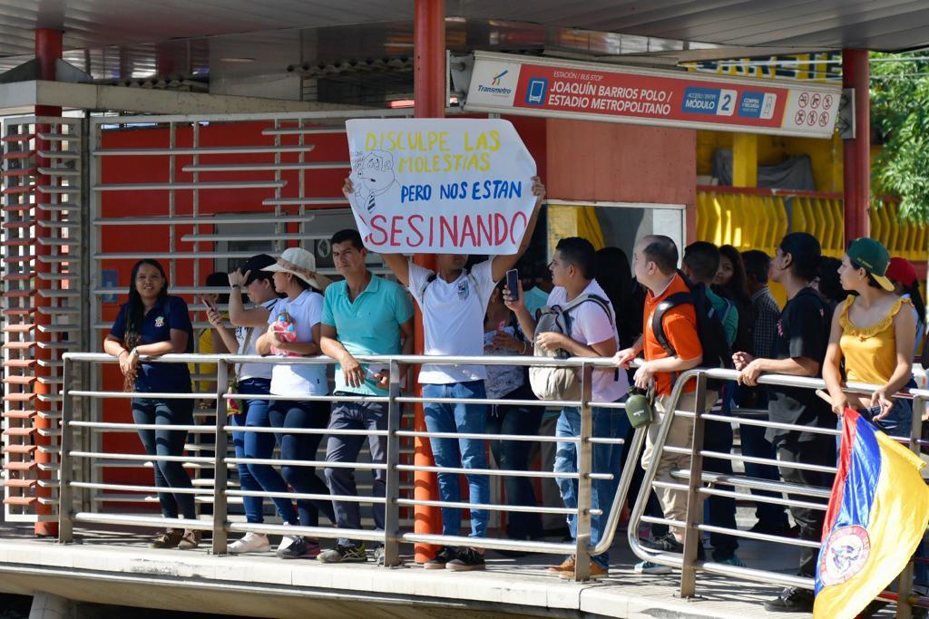 Manifestantes en la Murillo.