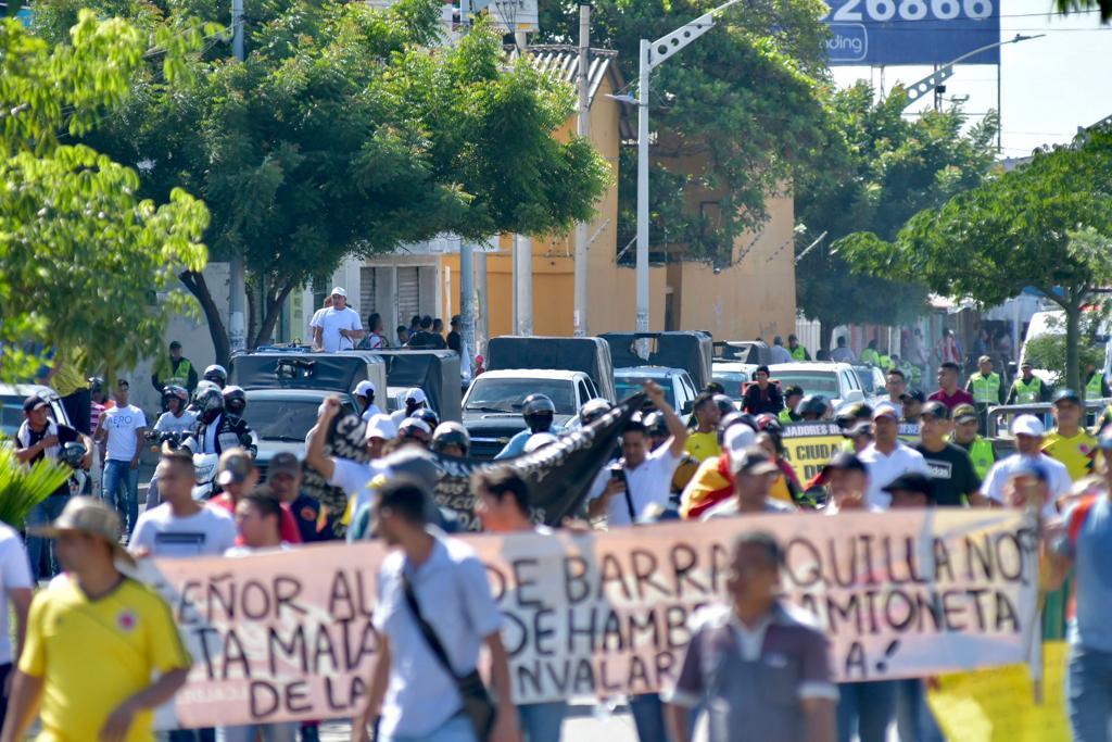 La marchas de los transportadores se aproxima a la carrera 8 con Murillo.