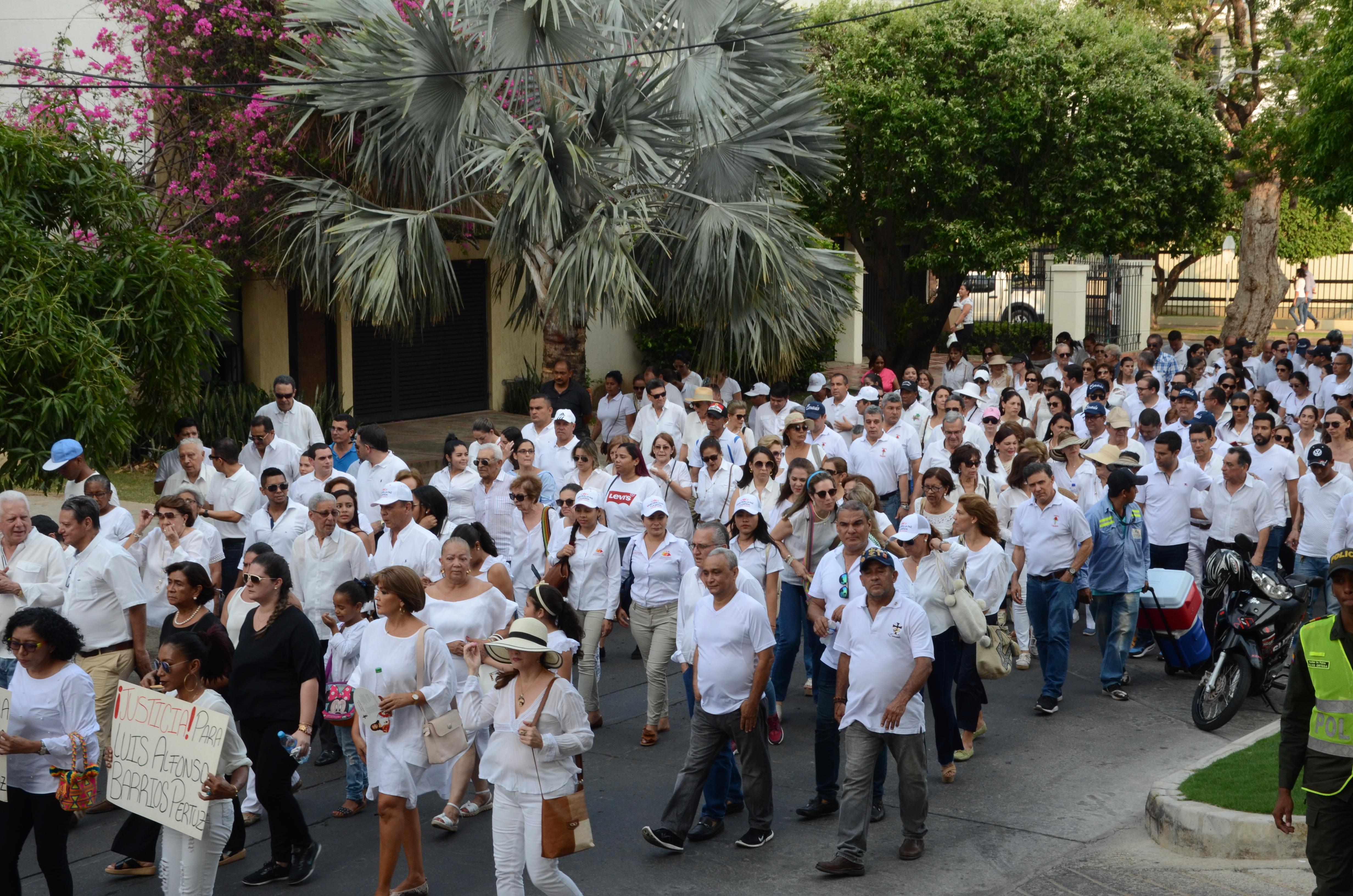 La marcha pidiendo justicia congregó a numerosos familiares y amigos, el pasado sábado en Valledupar.