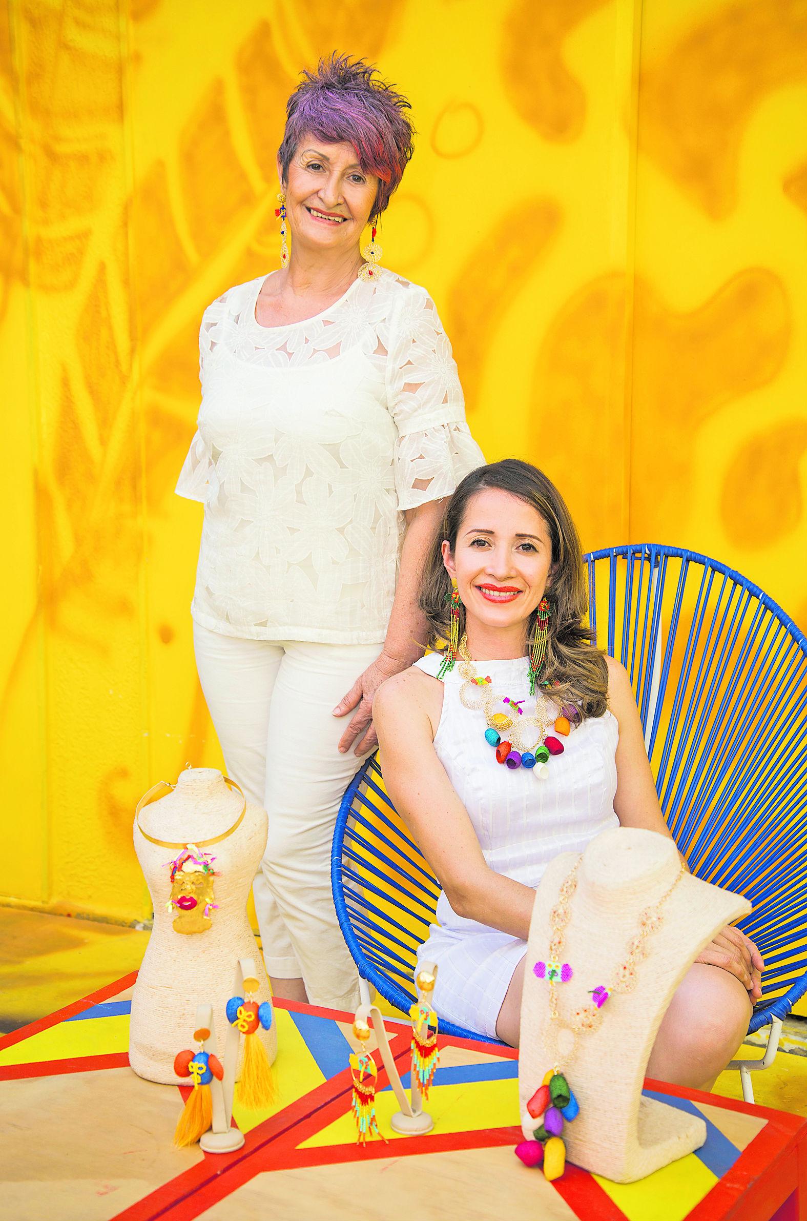 Dora Sánchez y Gina Grass
