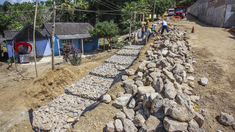 Aspecto de las obras de pavimentación en Guaimaral