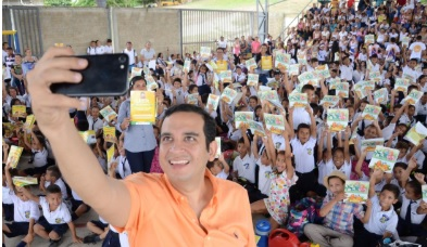 El alcalde Jacobo Quessep en la apertura de la campaña.