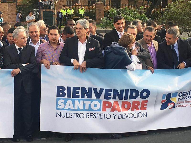 El expresidente Uribe y el senador Jaimer Amín.