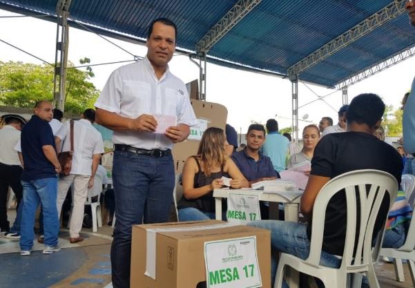 El gobernador electo del Cesar,  Luis Monsalvo, quien repite en esa posición.