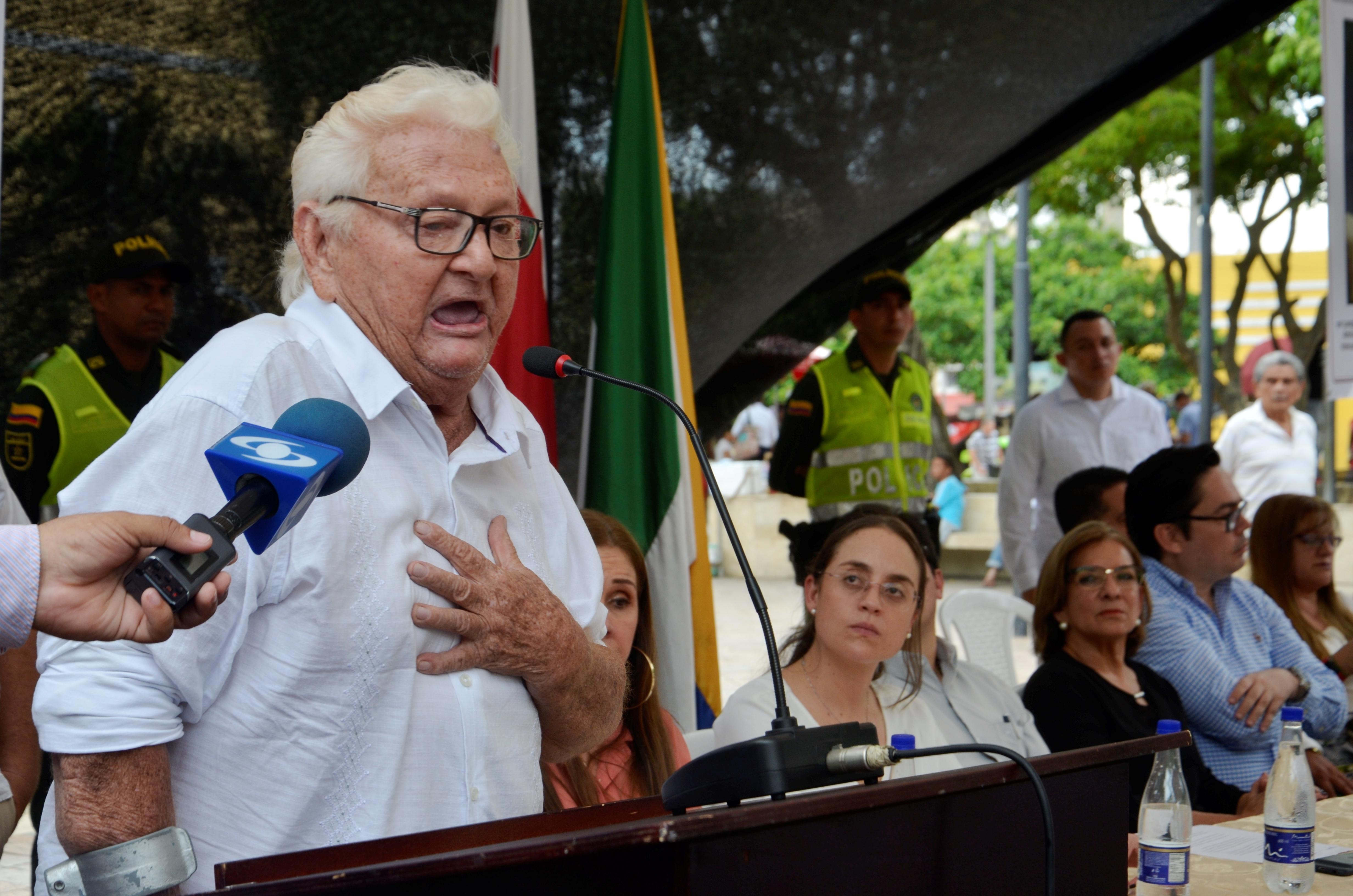 Luis Alfonso González, padre de Gerzon González.