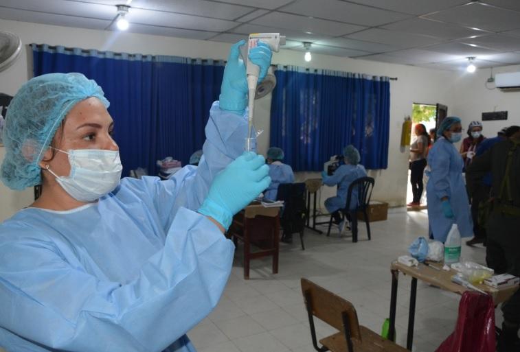 Las pruebas de sangre se realizan en el colegio de El Sitio.