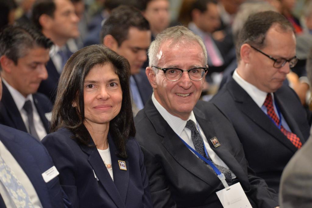 María Noriega y Tim Osswald, colegas del foco de tecnologías convergentes.