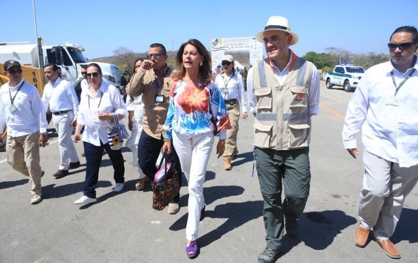 La vicepresidenta de la República, Marta Lucía Ramírez, y el presidente de la ANI, Manuel Felipe Gutiérrez, arriban este jueves a Bosconia