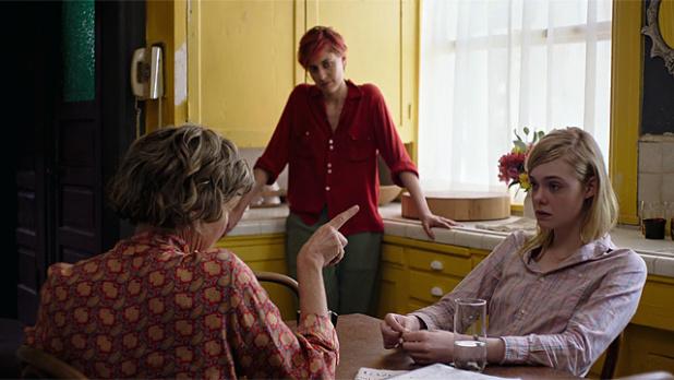 Mujeres del siglo XX (2016)  Mike Mills pretende desmitificar el uso de la palabra  menstruación. Muestra los conflictos femeninos de tres mujeres de diferentes generaciones que describen la vida de la mujer en los 60.