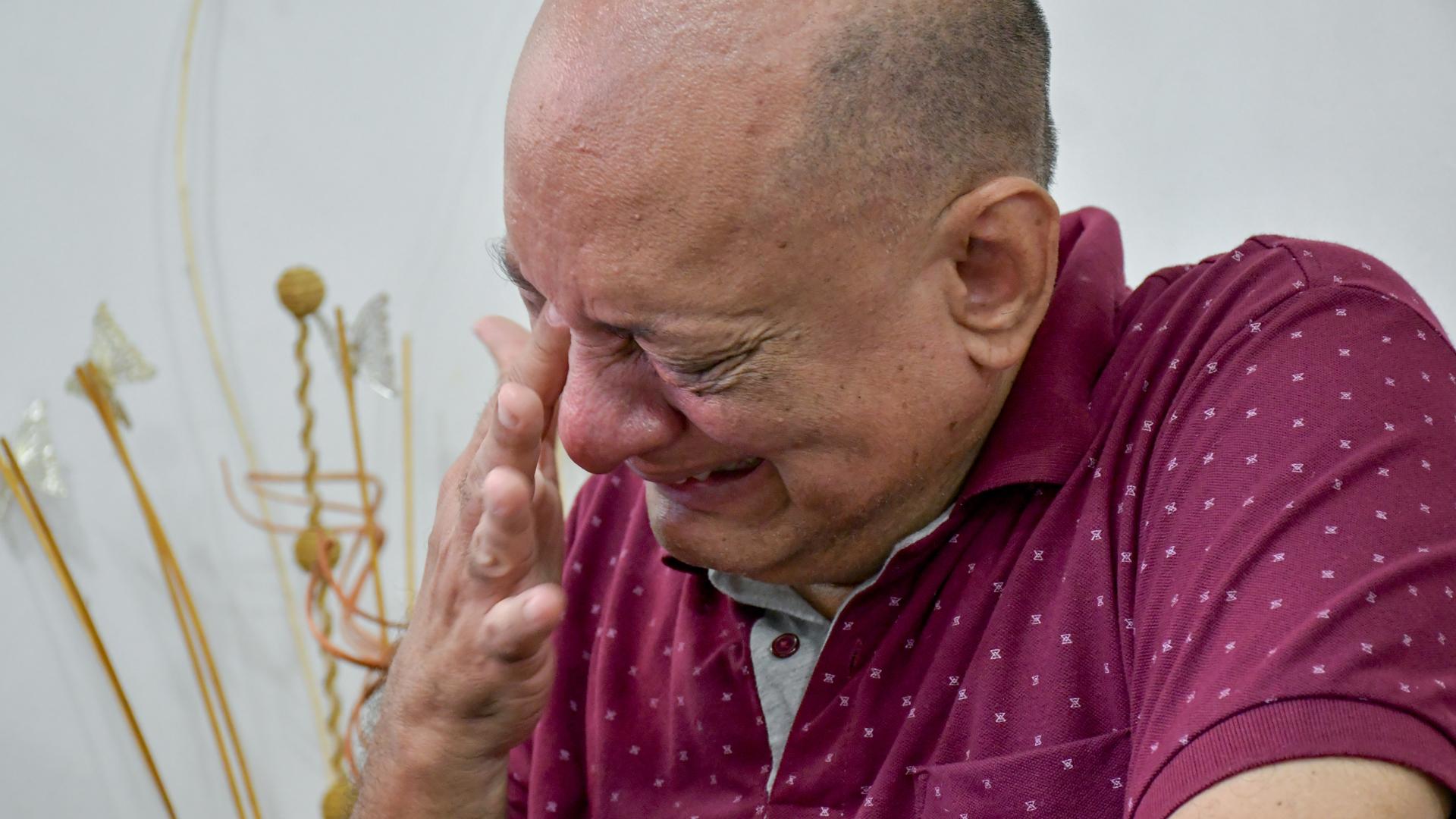 Entre lágrimas Pedro Manuel Gutiérrez de Piñeres recuerda a su hermana y el día de su desaparición.