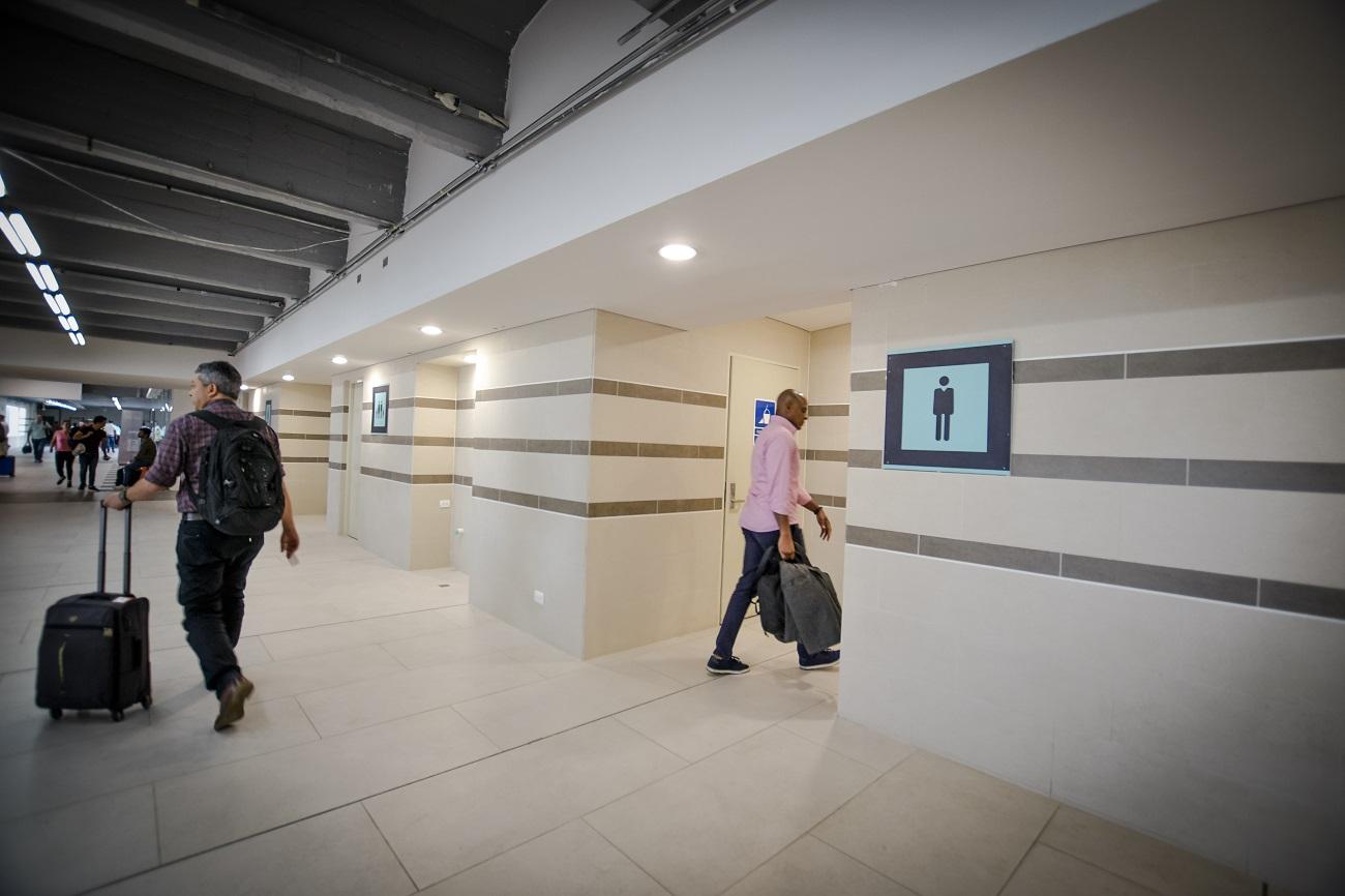 Zona de los nuevos baños en el aeropuerto.