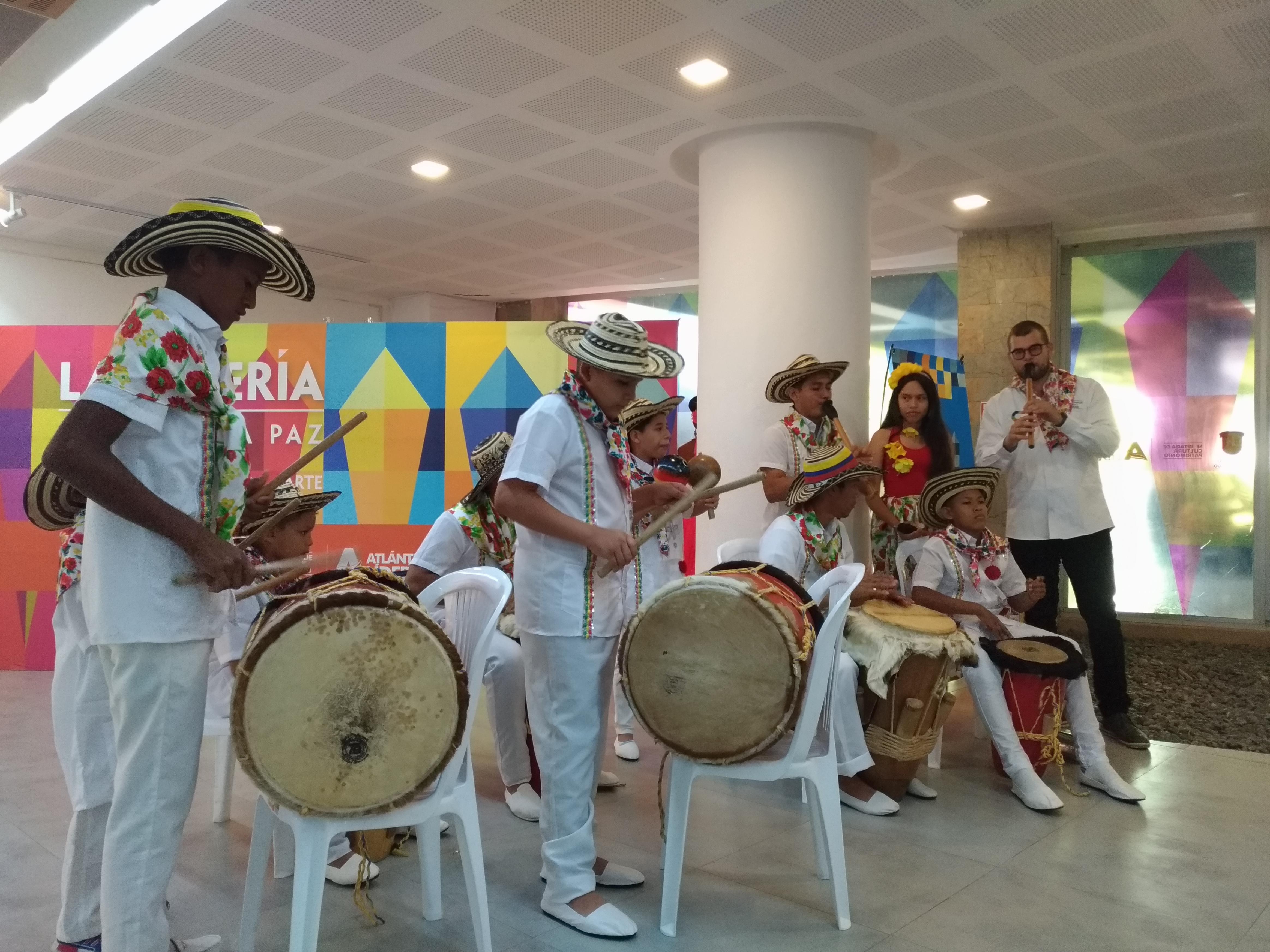 El grupo Polo Sound y los Gaiteros de Galapa.
