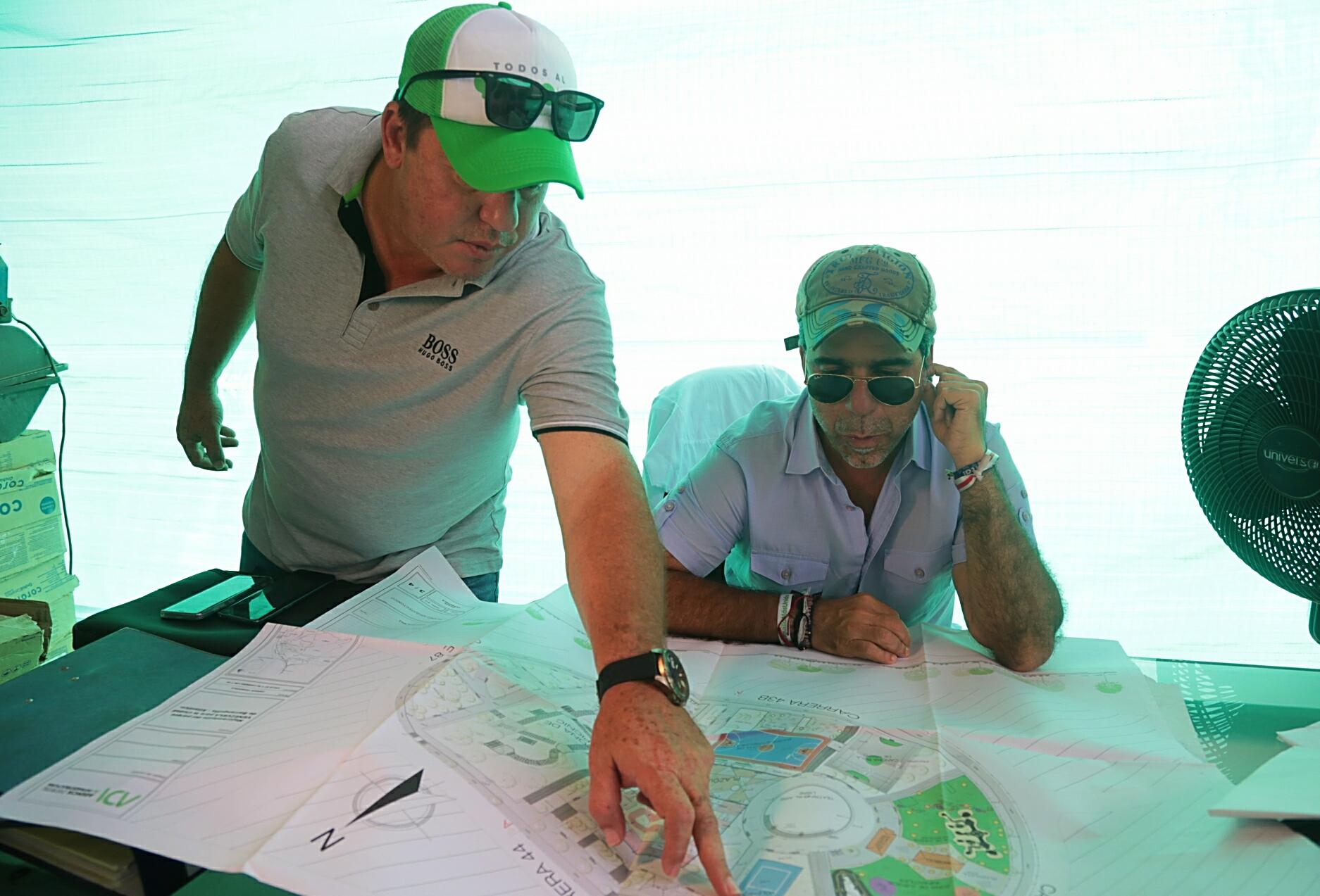 El alcalde Char con el gerente de la Agencia Distrital de Infraestructura, Alberto Salah.
