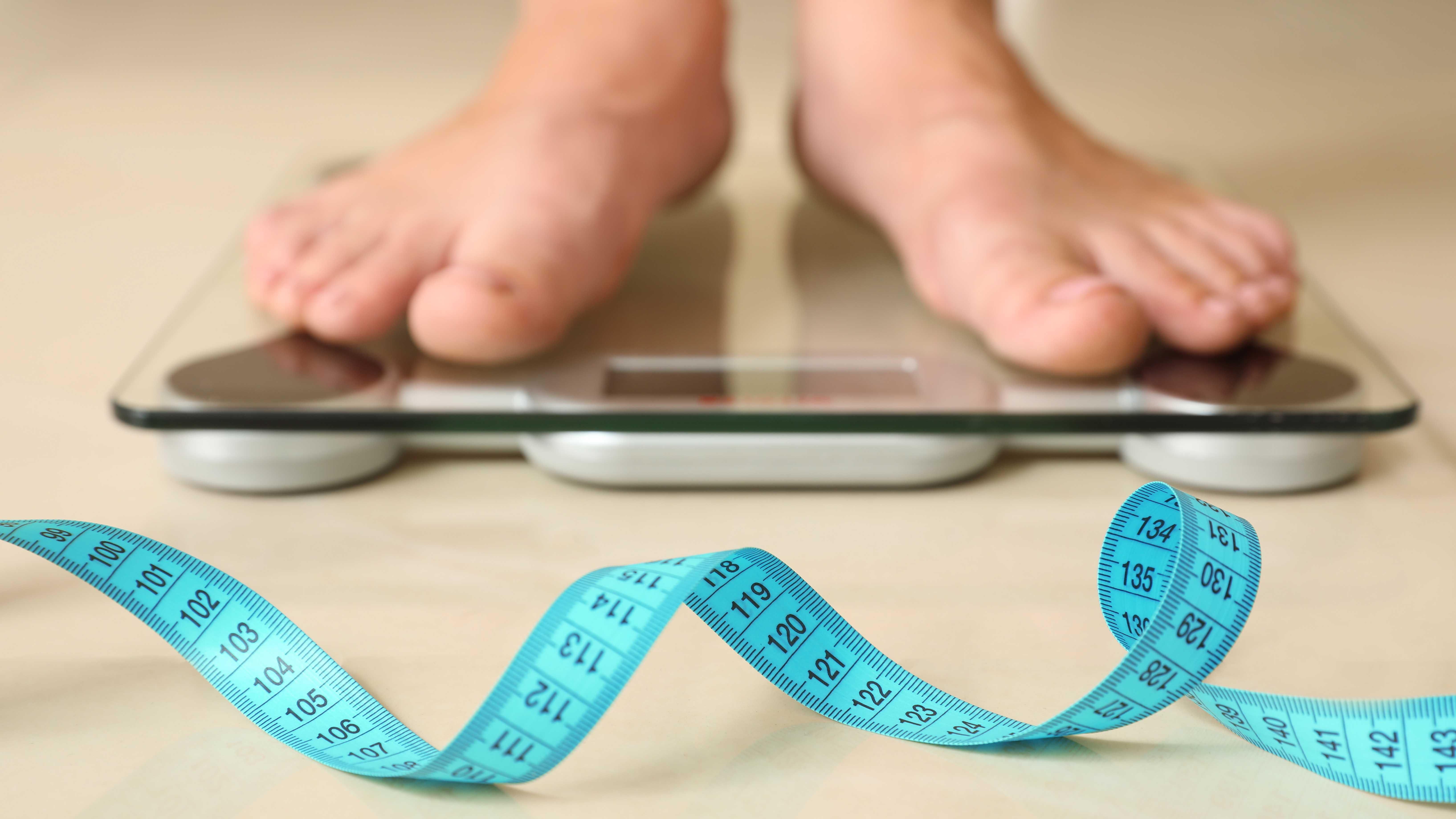 Es recomendable durante el aislamiento preventivo tratar de llevar un control diario de su peso.