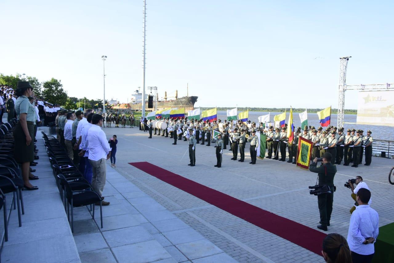 La ceremonia del lanzamiento de la unidad de turismo se realizó en el Gran Malecón del Río.
