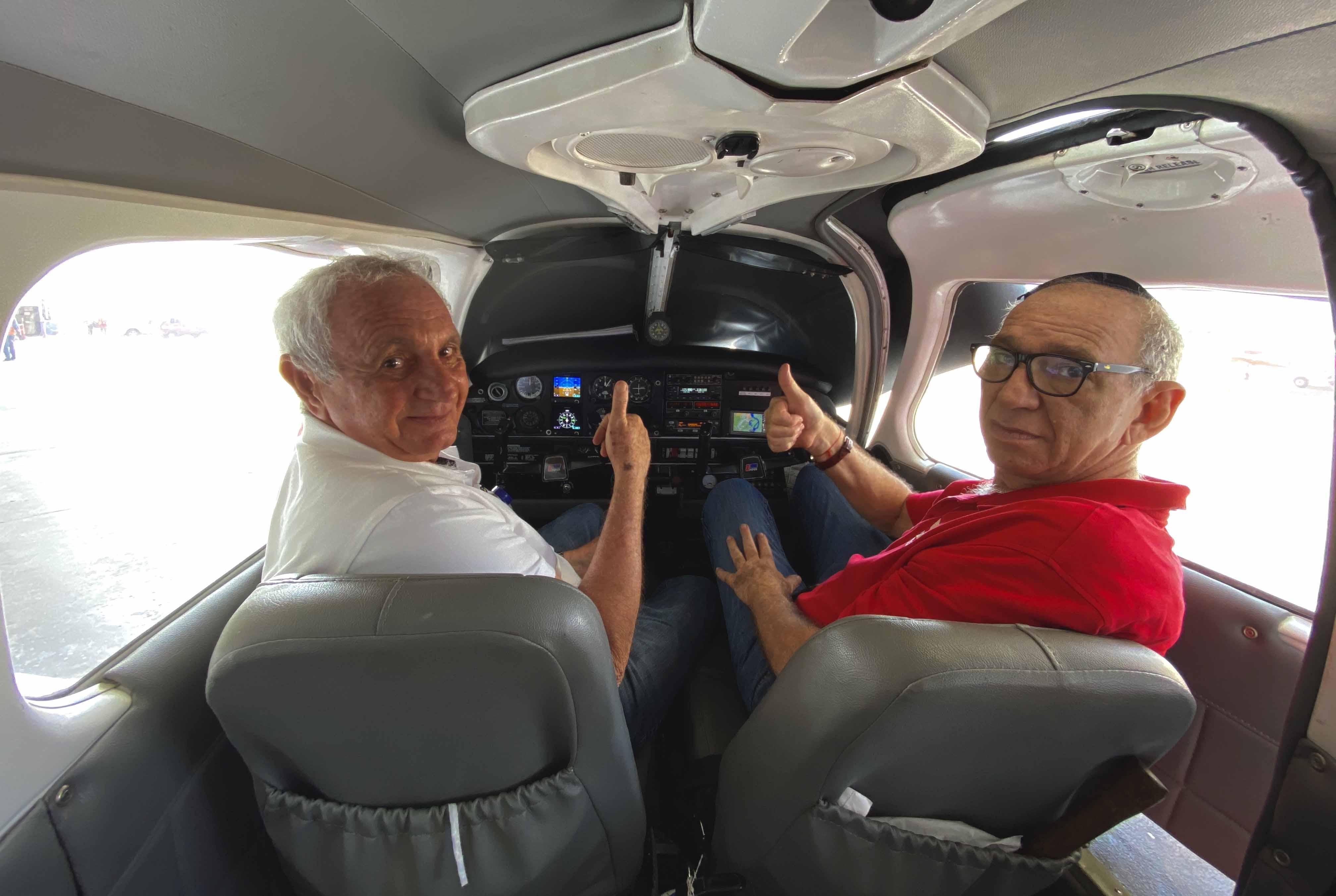 La familia Lachmann vuela impulsada por su pasión: la aviación.