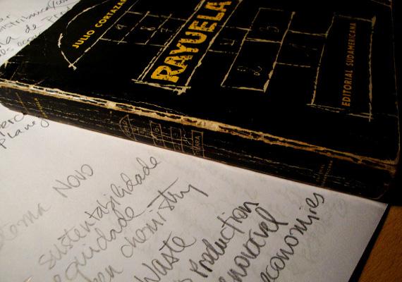 'Rayuela' fue una de las primeras obras literarias en mostrar historias no lineales y alternativas.