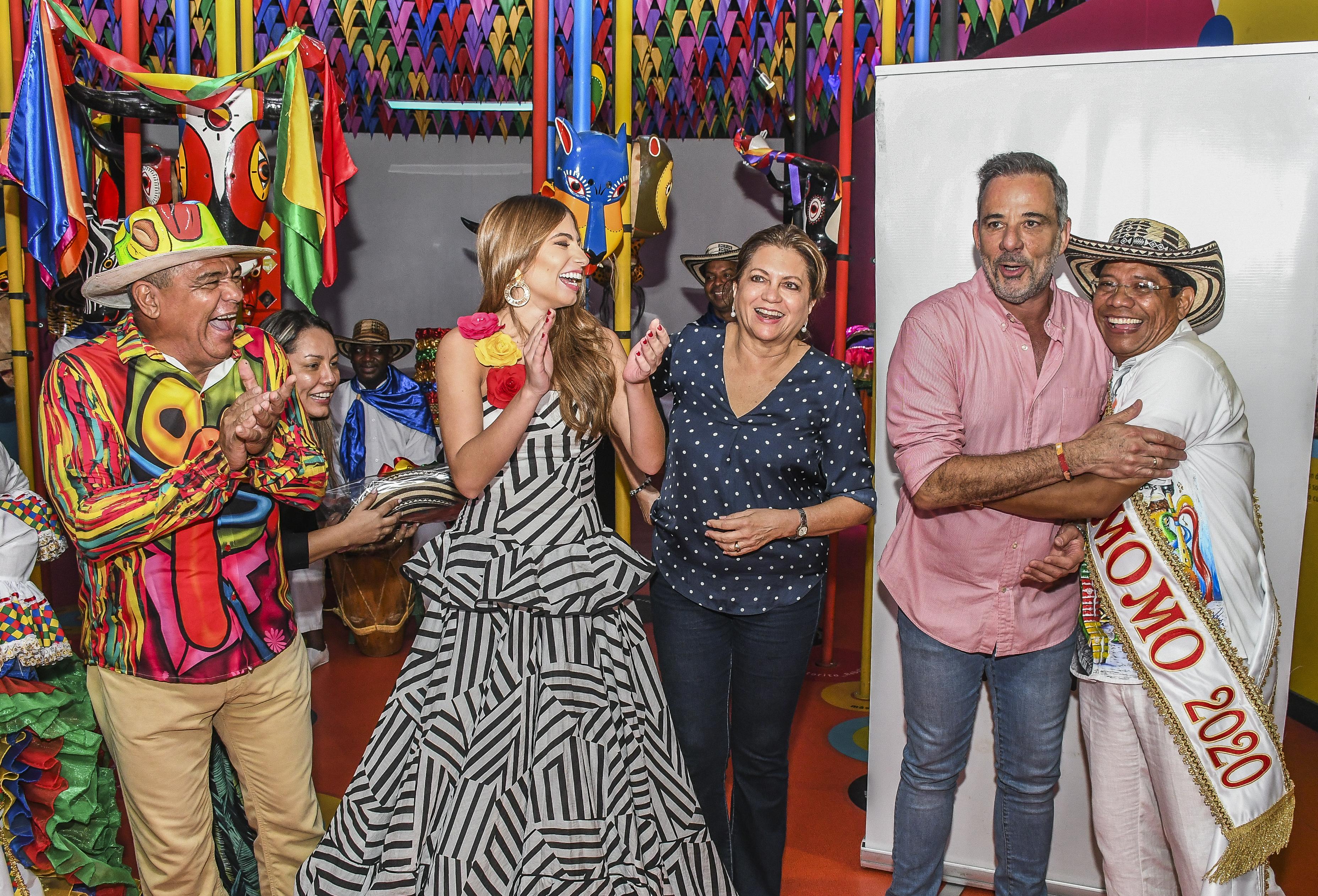 Freddy Cervantes, Isabella Chams, Carla Celia, Juan José Jaramillo y Alcides Romero.