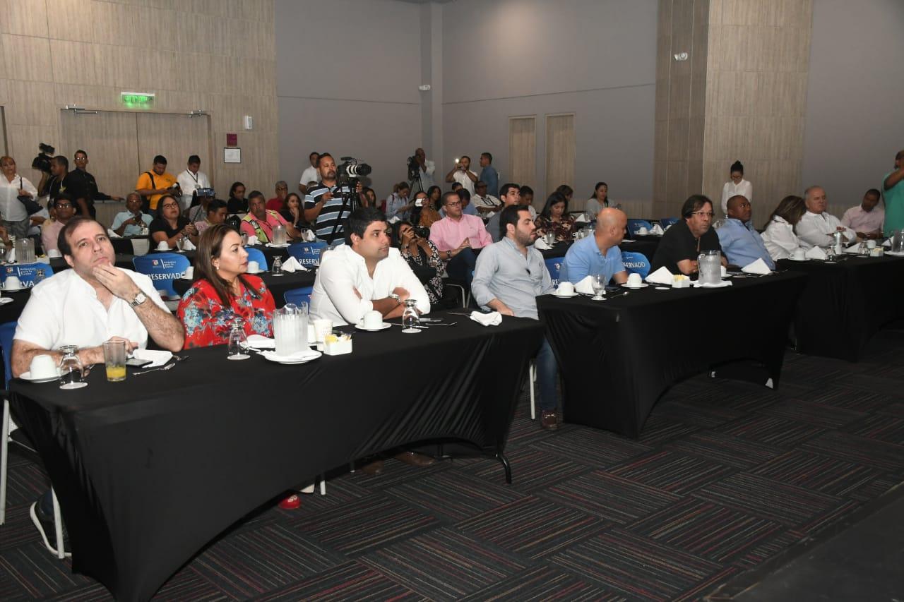 Diputados y congresistas asistieron al lanzamiento del plan de inversiones en hospitales del Atlántico.
