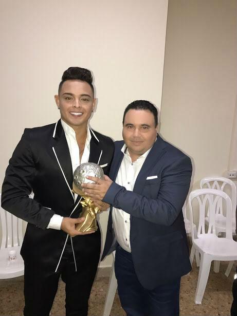 Shariff Steven y el cantante Óscar Prince.
