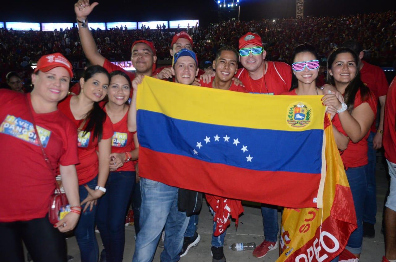 Seguidores venezolanos del cantante.