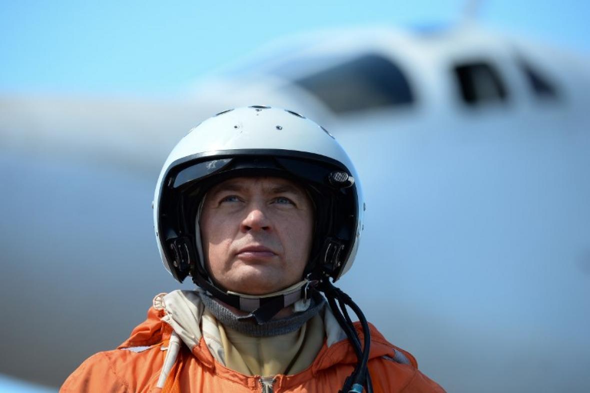 Uno de los pilotos rusos que arribó este lunes a Venezuela.