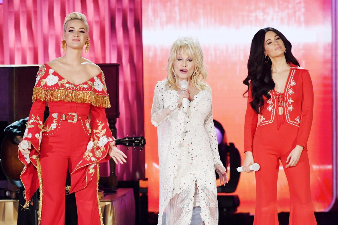 Katy Perry, Dolly Parton y Kacey Musgraves.