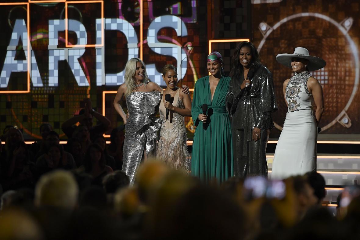 Lady Gaga, Jada Pinkett Smith, Alicia Keys, Michelle Obama, y Jennifer Lopez.