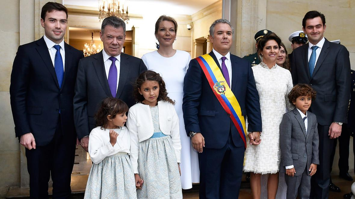 Familia Duque y Santos en posesión presidencial.