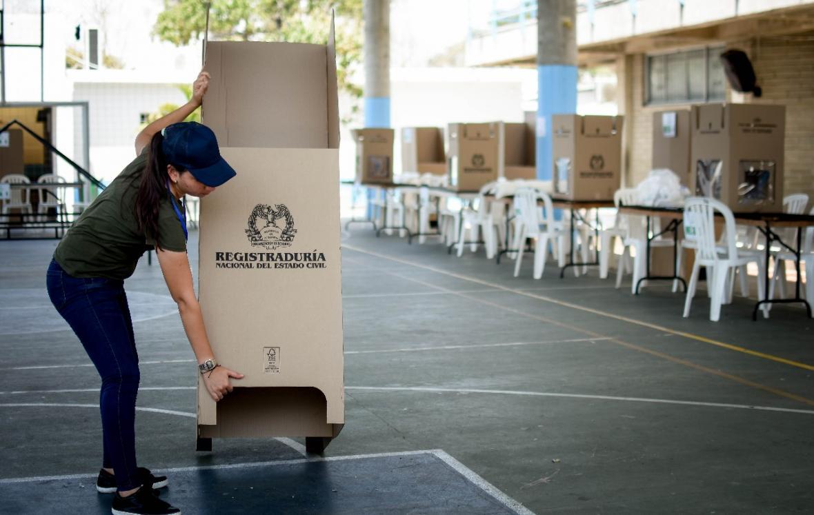 Sobraron 20 millones de tarjetones de consultas presidenciales: MinHacienda