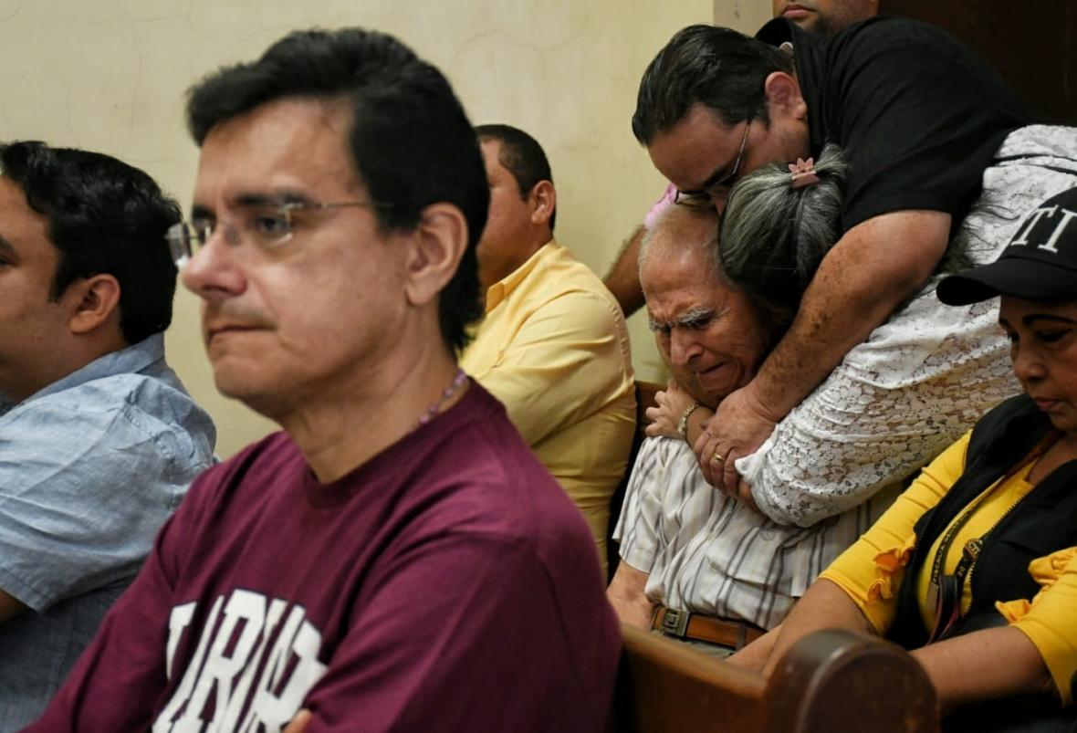 Familiares de Orlando Saavedra celebraron la solicitud de libertad.