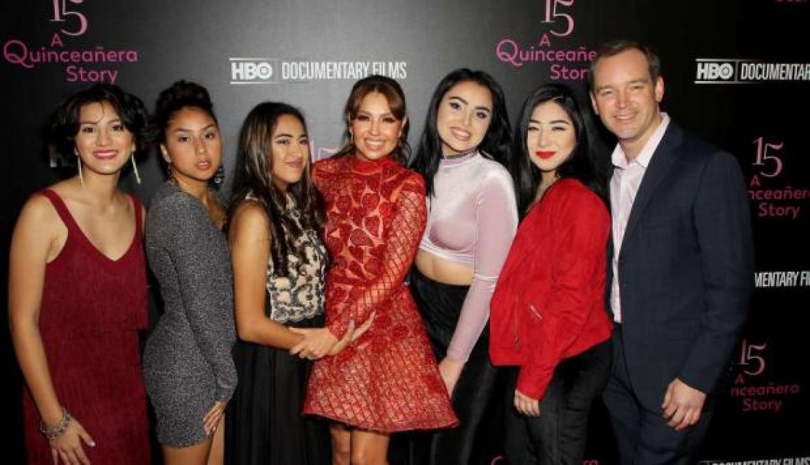 ESPLENDIDA: Thalía festeja sus quinces a los 46