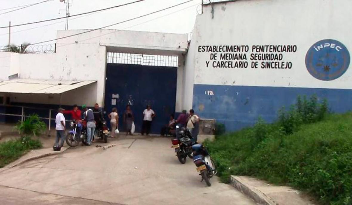 Frente de la cárcel La Vega, de la capital de Sucre.