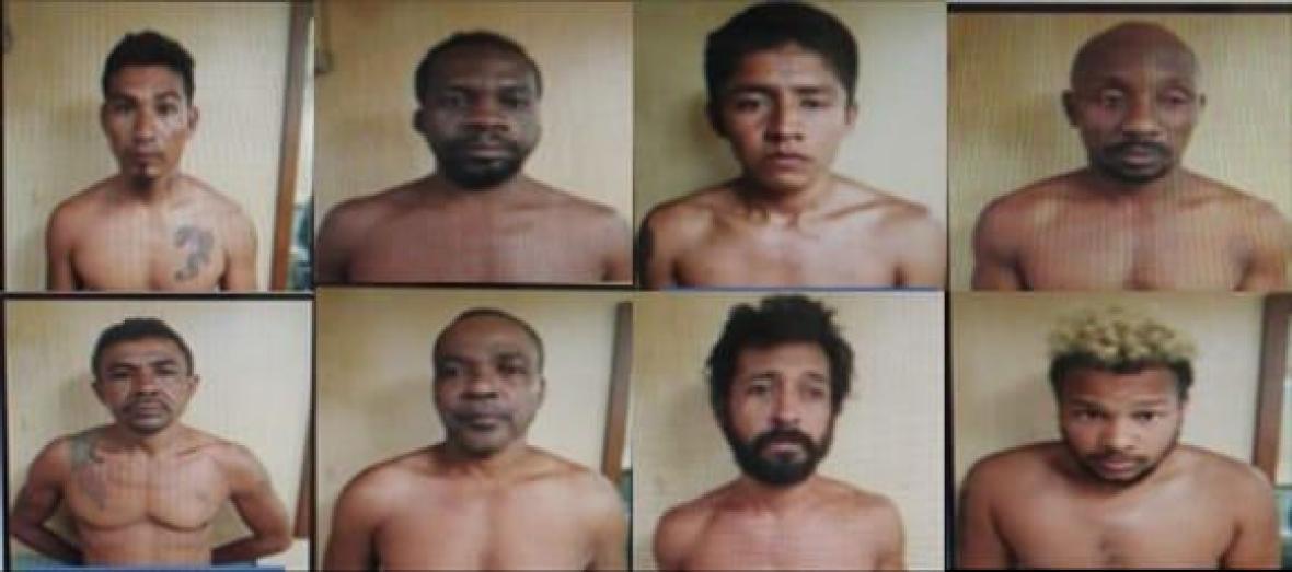 Los ocho capturados tras el operativo.